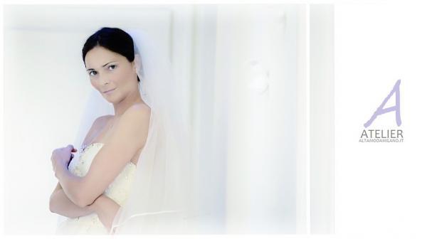 Abiti-da-sposa-per-spose-incinte-per-le-nozze-in-TRE-sposa-sposo-e-bebè.jpg